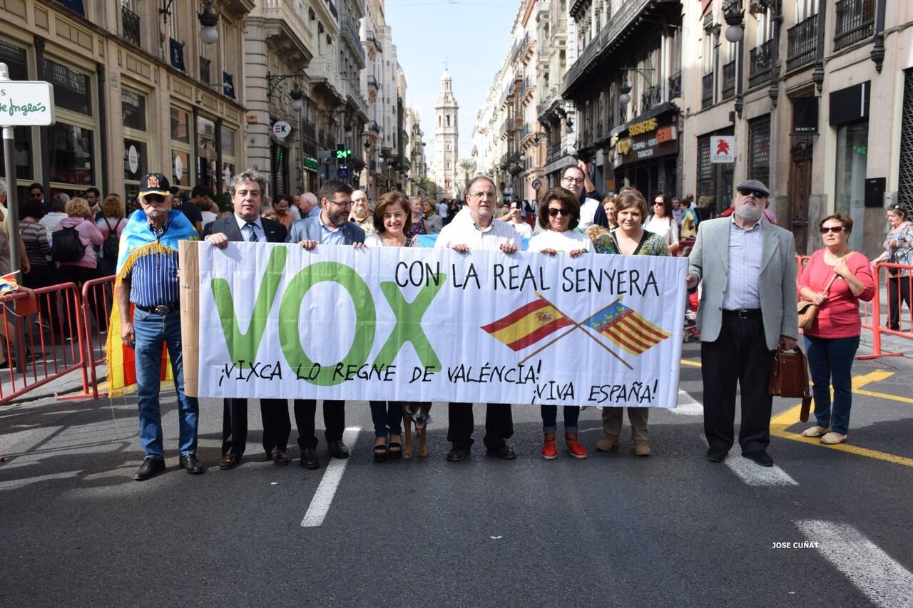 procesion-civica-valencia-9-octubre-senera-senyera-partidos-politicios-28