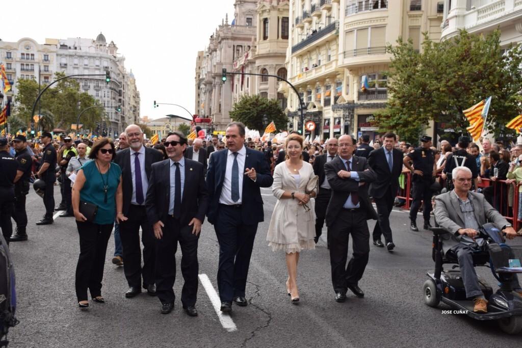 procesion-civica-valencia-9-octubre-senera-senyera-personalidades-23