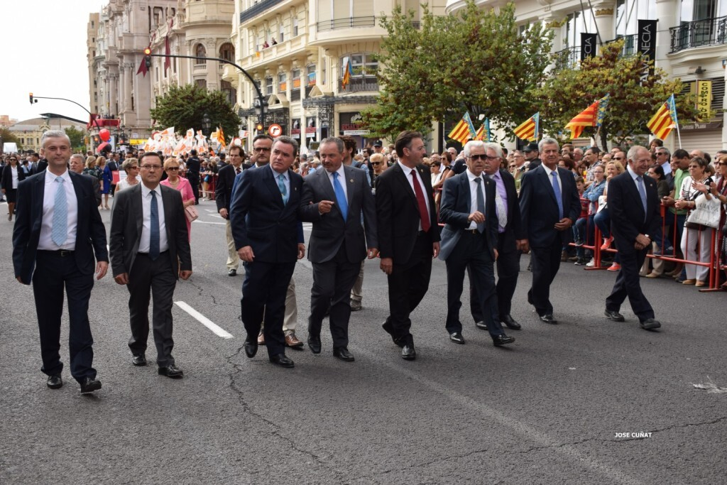 procesion-civica-valencia-9-octubre-senera-senyera-personalidades-30