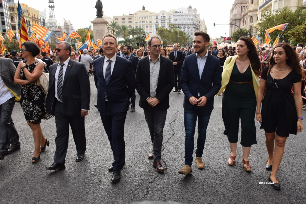 procesion-civica-valencia-9-octubre-senera-senyera-personalidades-38