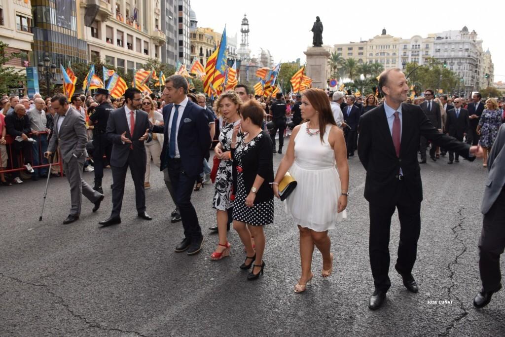 procesion-civica-valencia-9-octubre-senera-senyera-personalidades-39