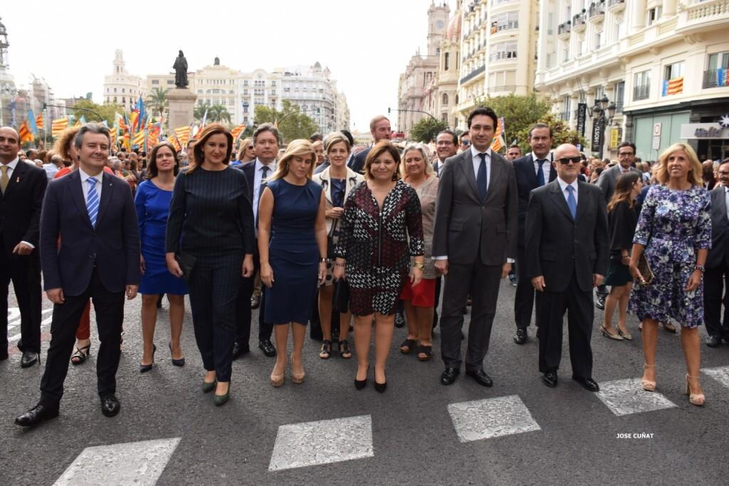 procesion-civica-valencia-9-octubre-senera-senyera-personalidades-42