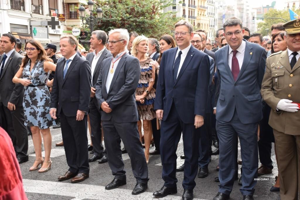procesion-civica-valencia-9-octubre-senera-senyera-personalidades-59