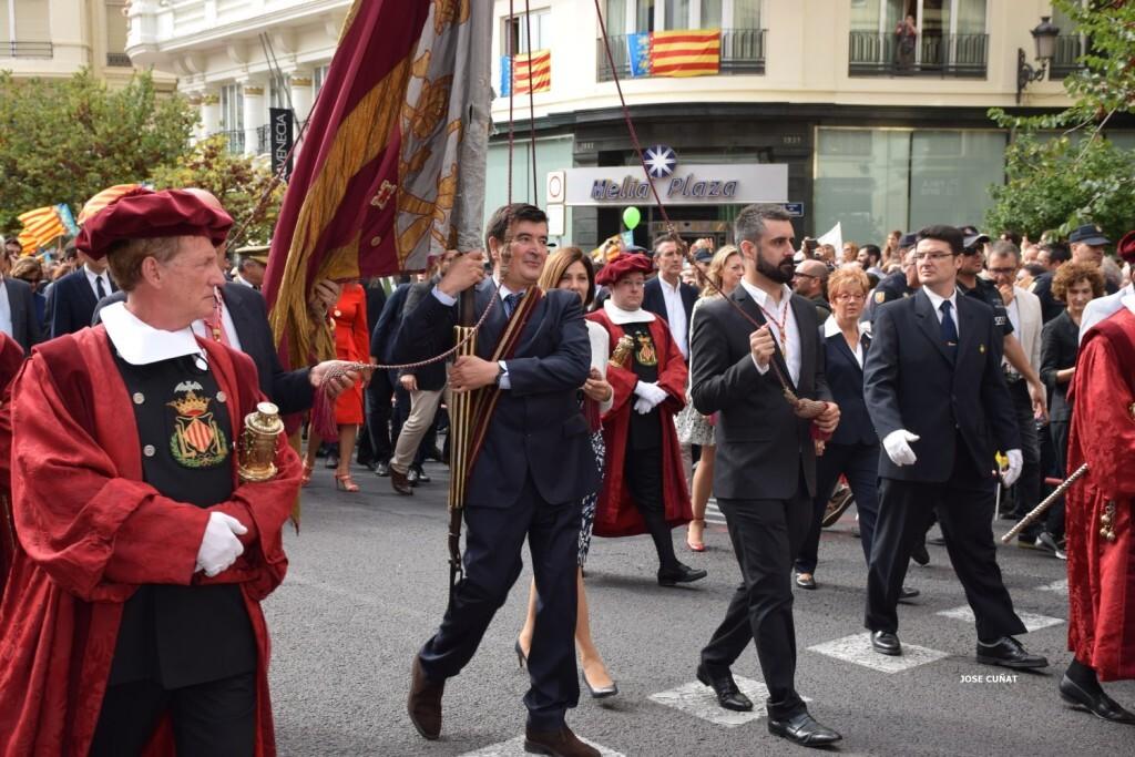 procesion-civica-valencia-9-octubre-senera-senyera-fernando-giner-ciudadanos-3