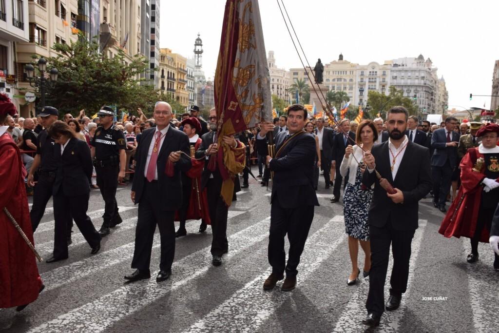 procesion-civica-valencia-9-octubre-senera-senyera-fernando-giner-ciudadanos-4