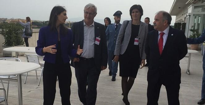 tambien-ha-mantenido-un-encuentro-con-la-excomisaria-europea-emma-bonino-y-con-el-representante-del-vaticano-ante-la-fao-fernando-chica