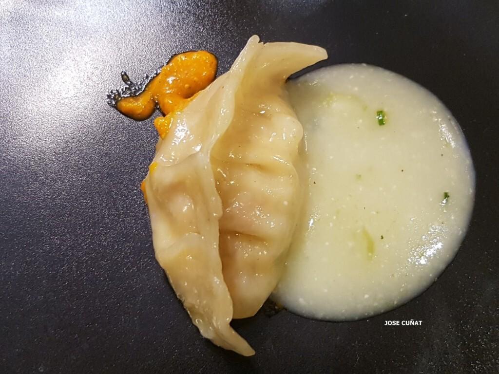 dumpling-de-pollo-al-ajullo-restaurante-julio-verne-en-valencia-14