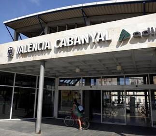 fachada-de-la-estacion-de-valencia-cabanyal