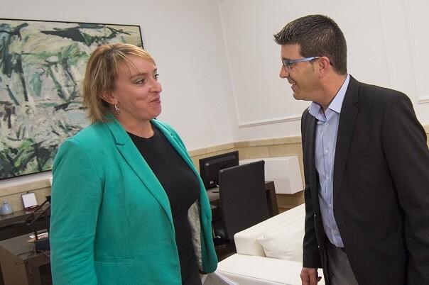 jorge-rodriguez-estudiara-el-proyecto-que-debe-presentar-la-alcaldesa-para-determinar-la-viabilidad-de-la-subvencion-foto-abulaila