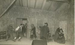 Valencia, diciembre de 1922. En el teatro Olimpia, una escena de la ragedia aldena de Fernando Lluch, «El Aguijón», estrenada por Enrique Borrás.