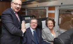 2010/12/18. El ministro de Fomento, José Blanco junto con el alcalde de Madrid, Alberto Ruiz Gallardón y la alcaldesa de Valencia, Rita Barberá