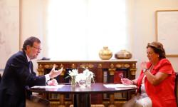 El presidente del Gobierno, Mariano Rajoy, conversa con la alcaldesa de Valencia, Rita Barberá, durante el encuentro que han mantenido en el Palacio de la MoncloaLa Moncloa, Madrid - 12/09/2014