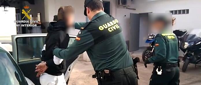 los-agentes-han-puesto-al-presunto-agresor-a-disposicion-del-juzgado-no-2-de-violencia-de-genero-de-alicante