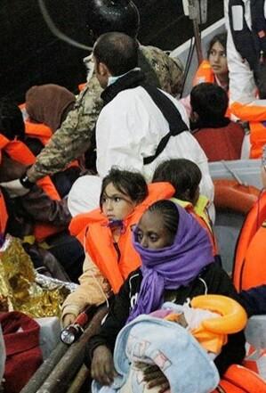 los-inmigrantes-viajaban-en-ocho-lanchas-neumaticas-y-dos-pequenas-barcazas