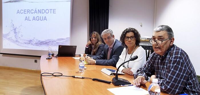 los-tecnicos-de-la-empresa-grupo-aguas-de-valencia-presentaron-el-nuevo-plan-en-el-que-se-recoge-las-diferentes-actuaciones-de-mejora-que-el-ayuntamiento-y-la-empresa-realizaran