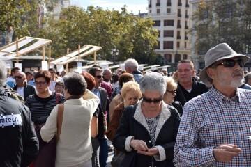 tastarros-en-la-plaza-del-ayuntamiento-de-valencia-paella-1