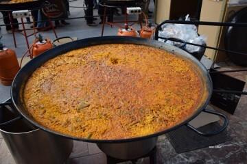 tastarros-en-la-plaza-del-ayuntamiento-de-valencia-paella-125
