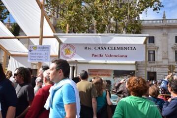 tastarros-en-la-plaza-del-ayuntamiento-de-valencia-paella-14