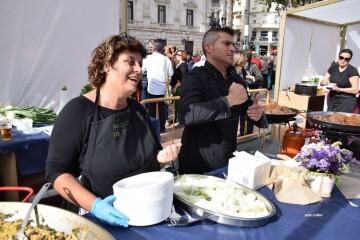 tastarros-en-la-plaza-del-ayuntamiento-de-valencia-paella-35