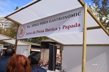 tastarros-en-la-plaza-del-ayuntamiento-de-valencia-paella-57