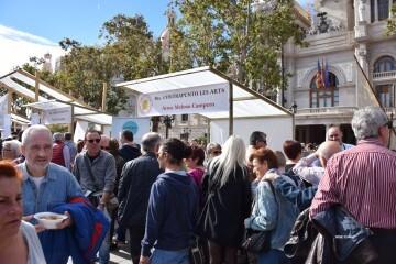 tastarros-en-la-plaza-del-ayuntamiento-de-valencia-paella-9