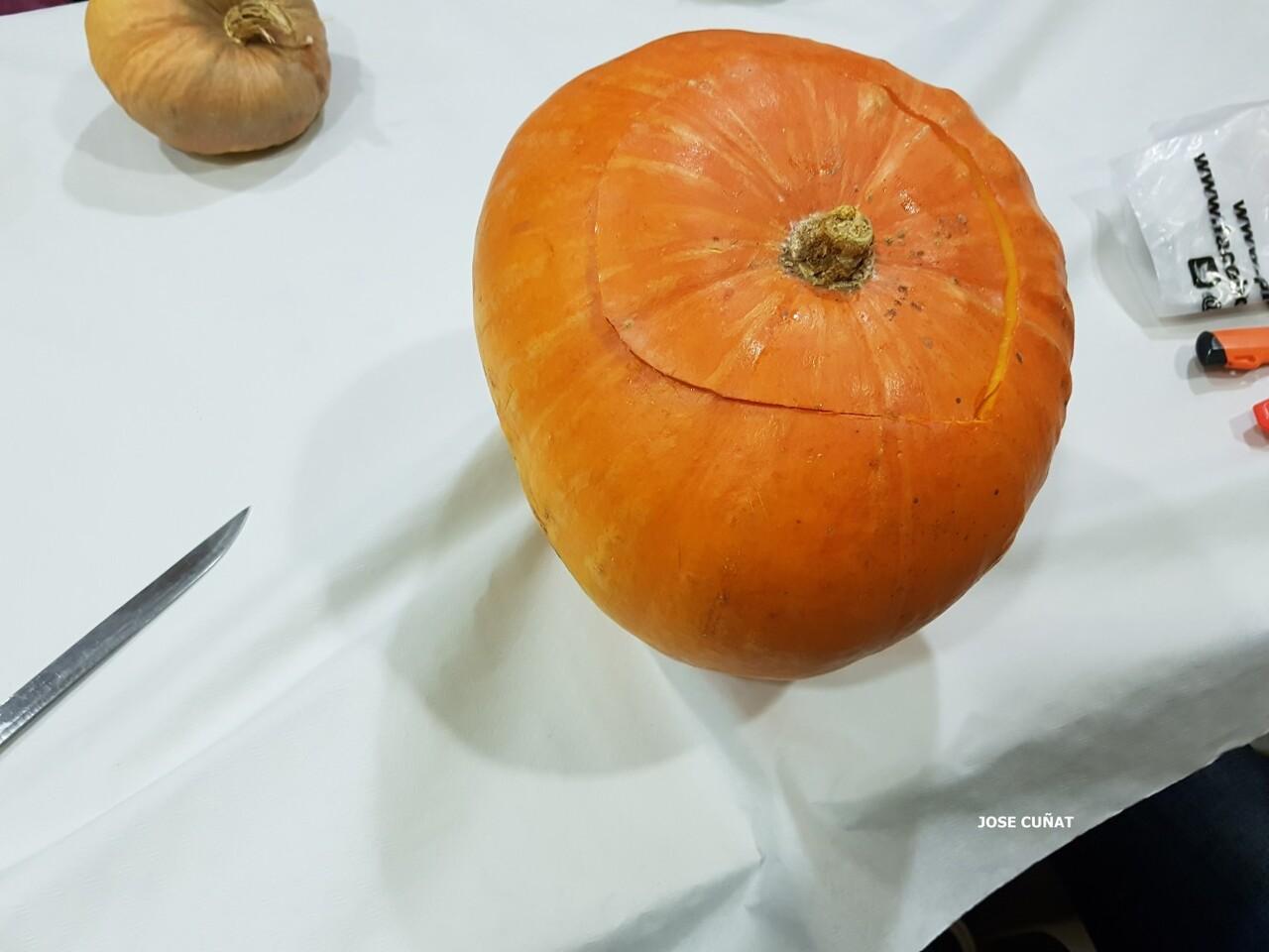 como-hacer-una-calabaza-de-halloween-2