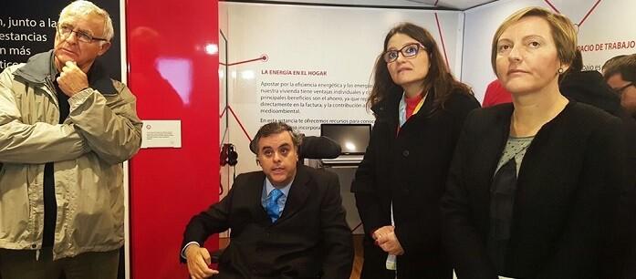 el-alcalde-ha-visitado-junto-a-monica-oltra-la-casa-inteligente-accesible-y-sostenible