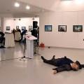 fallece-el-embajador-ruso-en-turquia-tras-ser-tiroteado-por-un-policia-que-clamaba-venganza-por-alepo