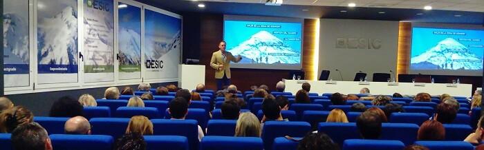 la-conferencia-de-jacobo-parages-coach-internacional-ha-tenido-lugar-en-el-xxiii-encuentro-de-centros-de-ensenanza-celebrado-en-esic-valencia