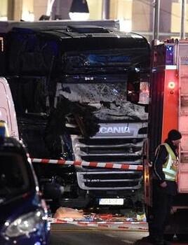las-fuerzas-de-seguridad-alemana-prosiguen-la-investigacion-del-brutal-atentado-terrorista