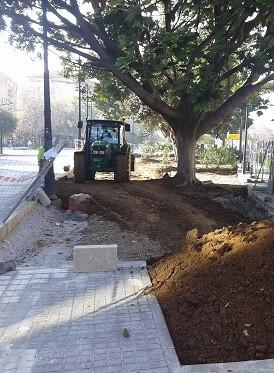 vicent-sarria-califica-de-inadmisible-mantener-el-jardin-bulevar-de-la-avenida-de-aragon-como-un-garaje-al-aire-libre