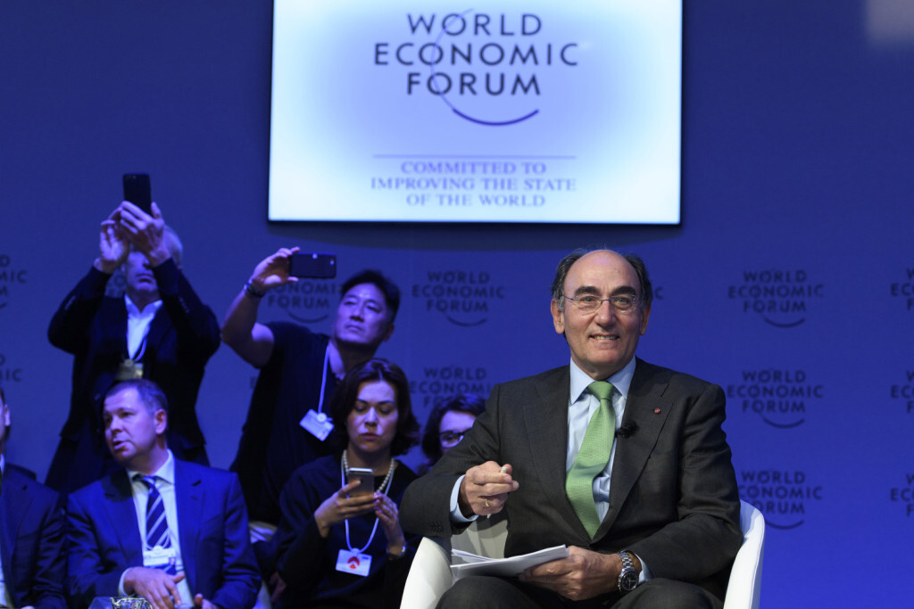 SPCL EFE / IBERDROLA - Jose Ignacio Sanchez Galan, Chairman and Chief Executive Officer of Iberdrola speaks during a panel session during the 47th annual meeting of the World Economic Forum, WEF, in Davos, Switzerland, Wednesday, January 18, 2017. The meeting brings together enterpreneurs, scientists, chief executive and political leaders in Davos January 17 to 20.(KEYSTONE/Laurent Gillieron)