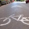 Aceras más anchas y dos pasos de peatones mejorarán el acceso a Colón desde las calles Sorní y Jorge Juan. (Carril bici)