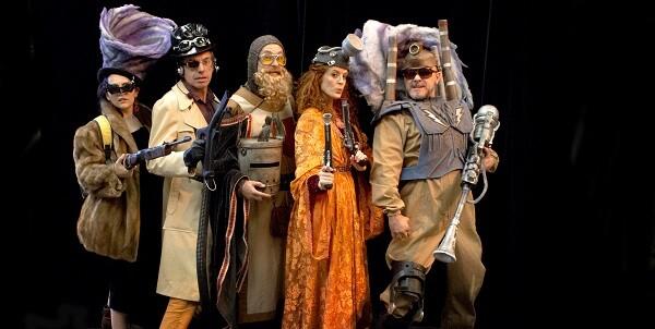 Actores de 'Els viatgers dels temps'.