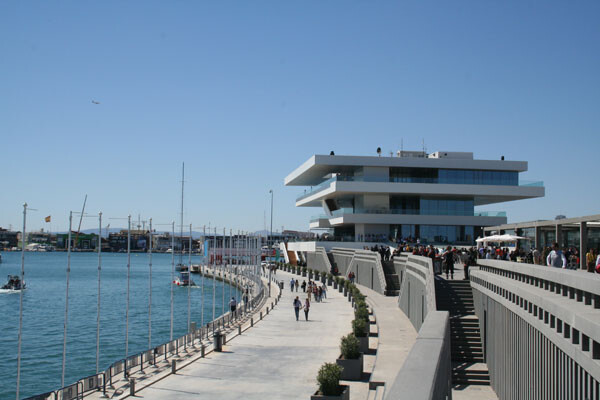 El Ayuntamiento y la Diputación de Valencia refuerzan la implicación de la corporación provincial en el proyecto de regeneración de La Marina de Valencia.