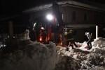 Encuentran con vida a ocho personas en hotel sepultado por una avalancha en Italia.