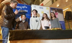 Exposición de Pequeño Deseo en las Cervezas del Mercado con los componentes valencianos de Masterchef junior (24)