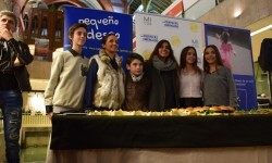 Exposición de Pequeño Deseo en las Cervezas del Mercado con los componentes valencianos de Masterchef junior (66)