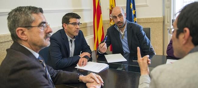 Jorge Rodríguez, el diputado de Carreteras, Pablo Seguí y el director general de Emergencias, José María Ángel (Foto-Abulaila).