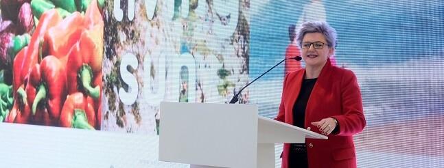 La diputada de Turismo y vicepresidenta del Patronat de Turisme de la Diputación de Valencia hace un balance 'altamente positivo' de la acción de su departamento en FITUR 2017.
