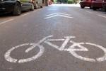 Movilidad avanza en la señalización del carril bici de Guillem de Castro. (Carril bici).