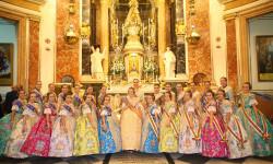 Ofrenda a nuestra Patrona la Virgen de los Desamparados de las falleras mayores (6)