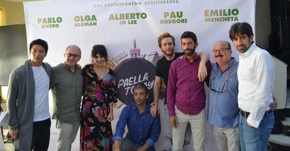 Protagonistas de la película en el IVAC.