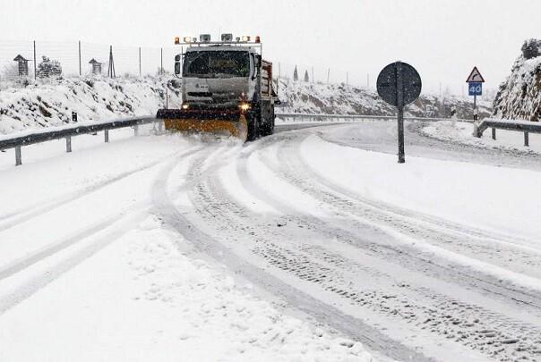 Protección Civil y Emergencias mantiene la alerta por frío y por nevadas intensas en Levante.