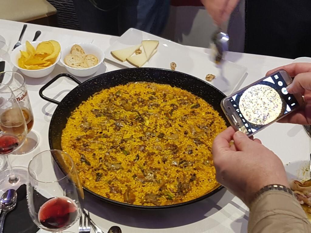 arroz de pato confitado,con boletus miqui y ajetes y al aroma de Foie gras micuit arroceria la plaza (109)