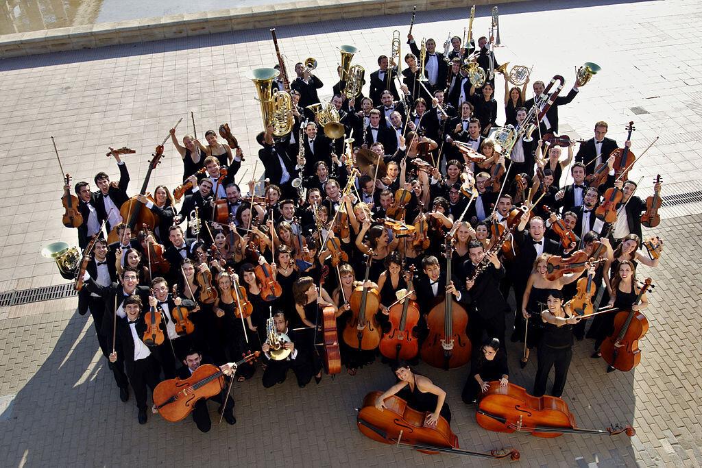 1024px-Jove_Orquestra_de_la_Generalitat_Valenciana_-_Foto_Natxo_Francés
