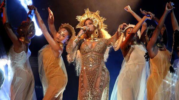 Beyonce-1920-3