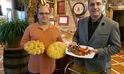 Carnicería de Mari Angeles con Agustín García horno de Meneos de José María Martínez (4)
