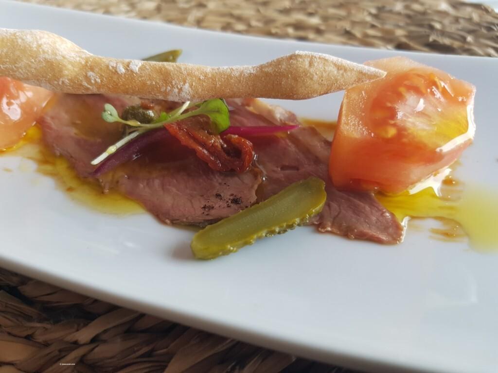 Dados de tomate valenciano (Raf) con pato marinado (10)