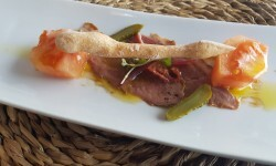 Dados de tomate valenciano (Raf) con pato marinado (2)